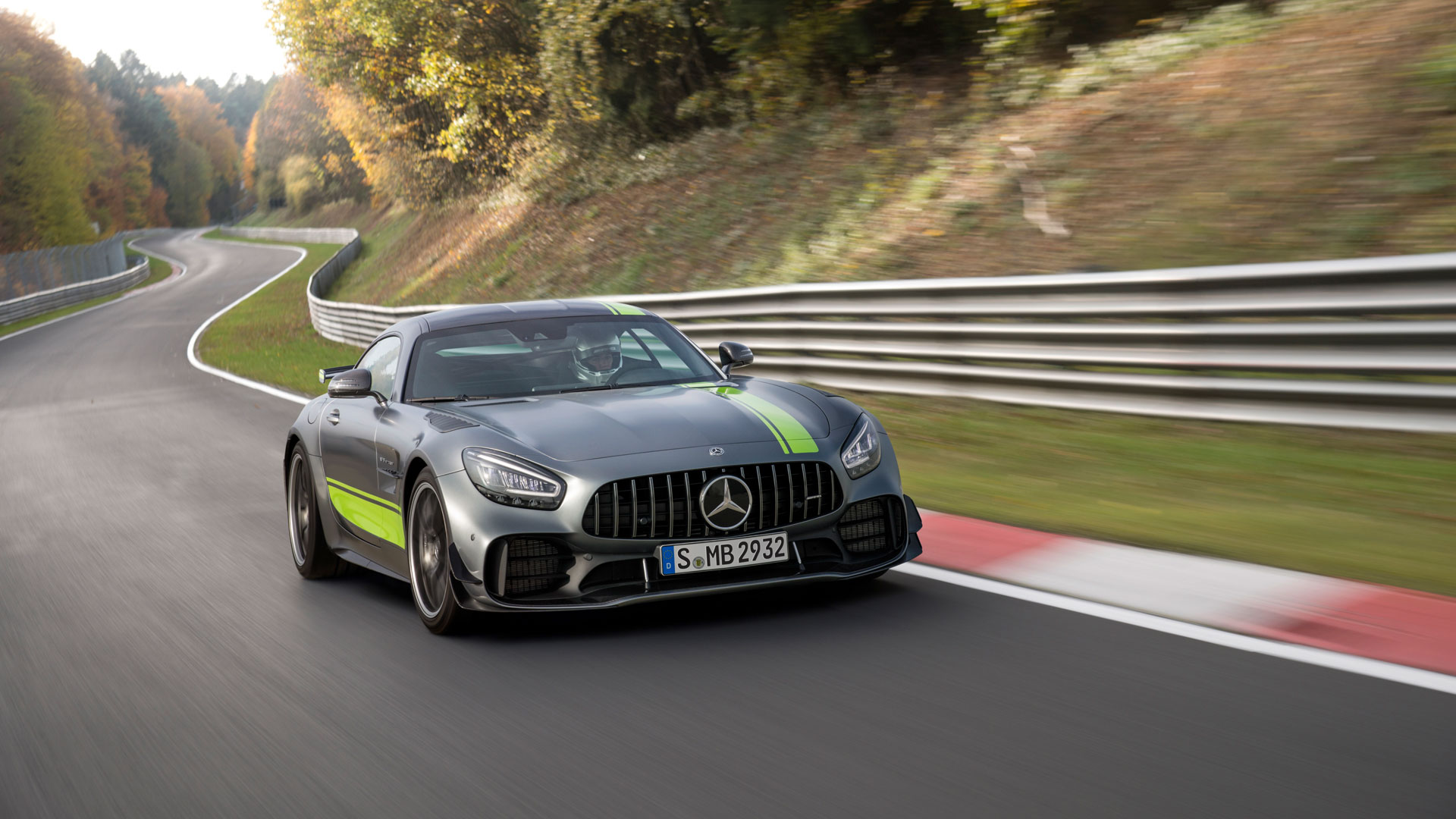 Eurofit delivers the tire wheel assemblies for the AMG GT R PRO